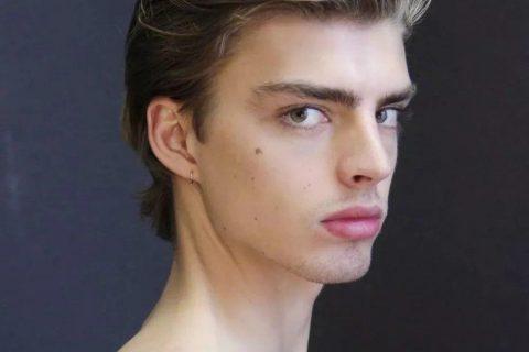 他曾是Donatella最爱的男模特,红极一时后光速过气,如今决定退出时尚圈!