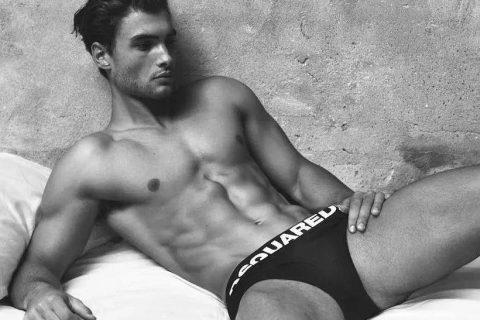 骚零娜们看到都无法拒绝的DSQUARED2 Underwear!